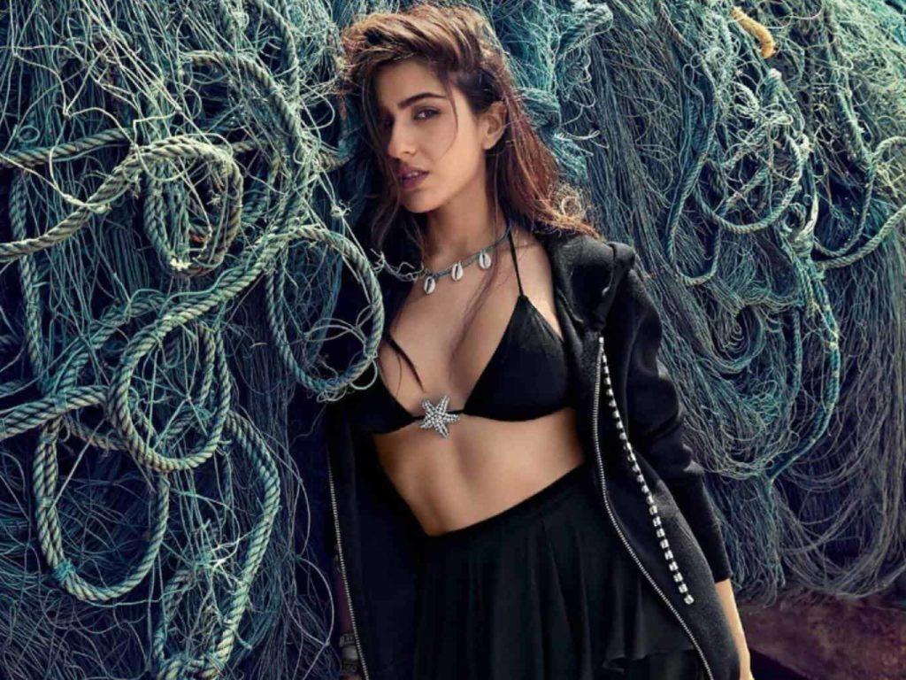 sara-ali-khan-bikini-black